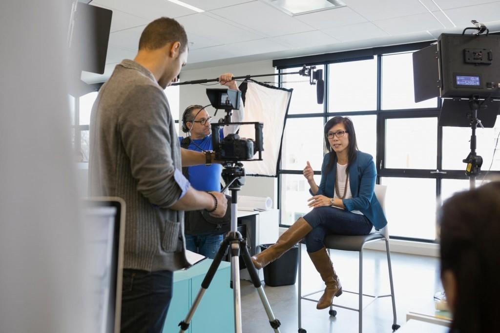 Cómo hacer un vídeo tutorial: herramientas y pasos a seguir   Videocontent Tu vídeo desde 350€   Como hacer un video tutorial herramientas y pasos a seguir 1024x683   videos-explicativos, videos-educativos