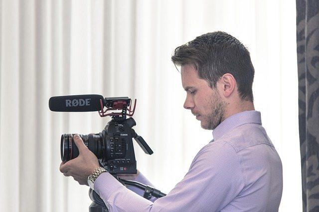 Cómo los vídeos comerciales para empresas pueden aumentar las ventas   Videocontent Tu vídeo desde 350€   como los videos comerciales para empresas pueden aumentar las ventas   video