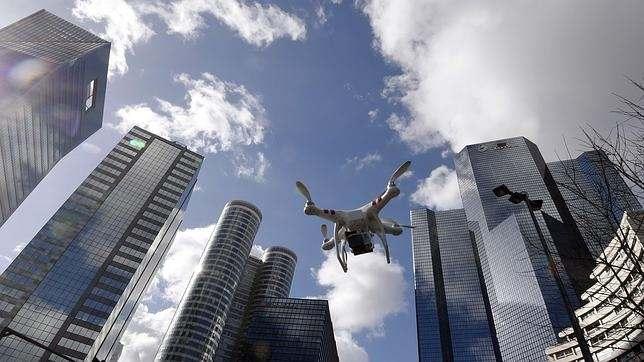 Vídeo streaming con drones: ¿Qué opciones existen? | Videocontent Tu vídeo desde 350€ | video streaming con drones que opciones existen min | web-tv, videos-corporativos-videos, video, video-streaming
