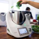 Editor de vídeos para Youtube: ¿Cómo funciona? | Videocontent Tu vídeo desde 350€ | videos de recetas con thermomix min 150x150 | video, edicion-de-videos